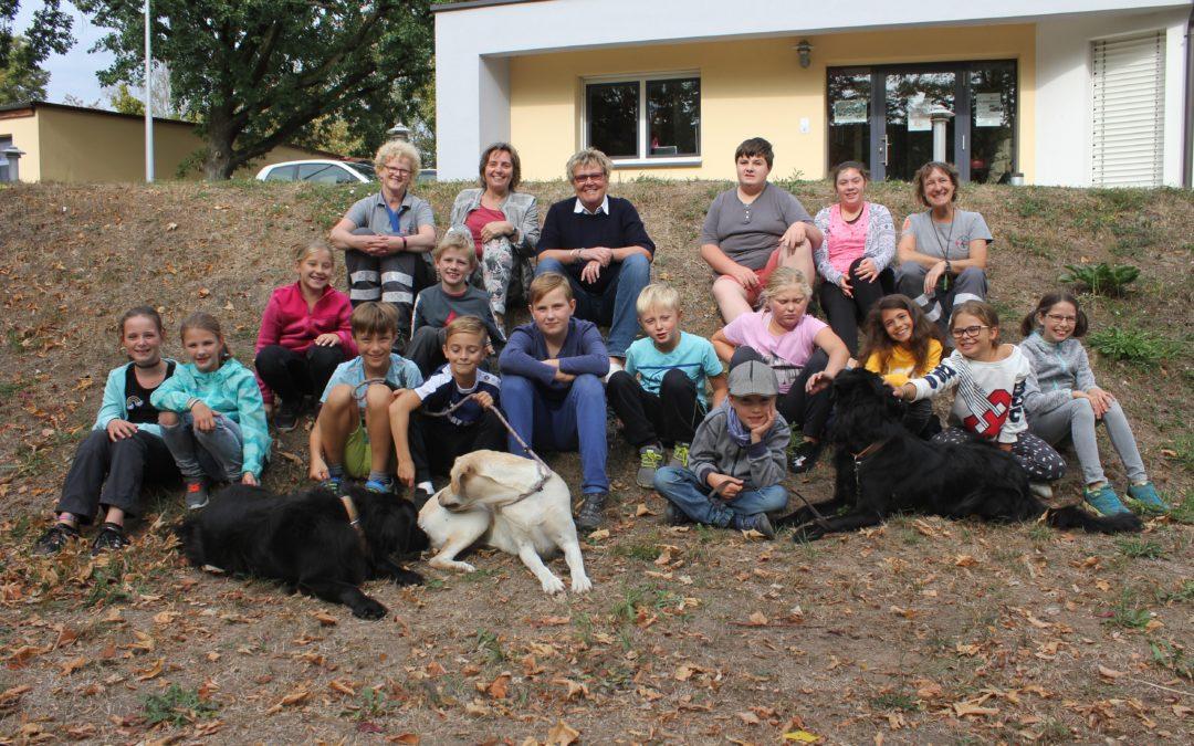 Ferienspaß bei der BRK Hundestaffel
