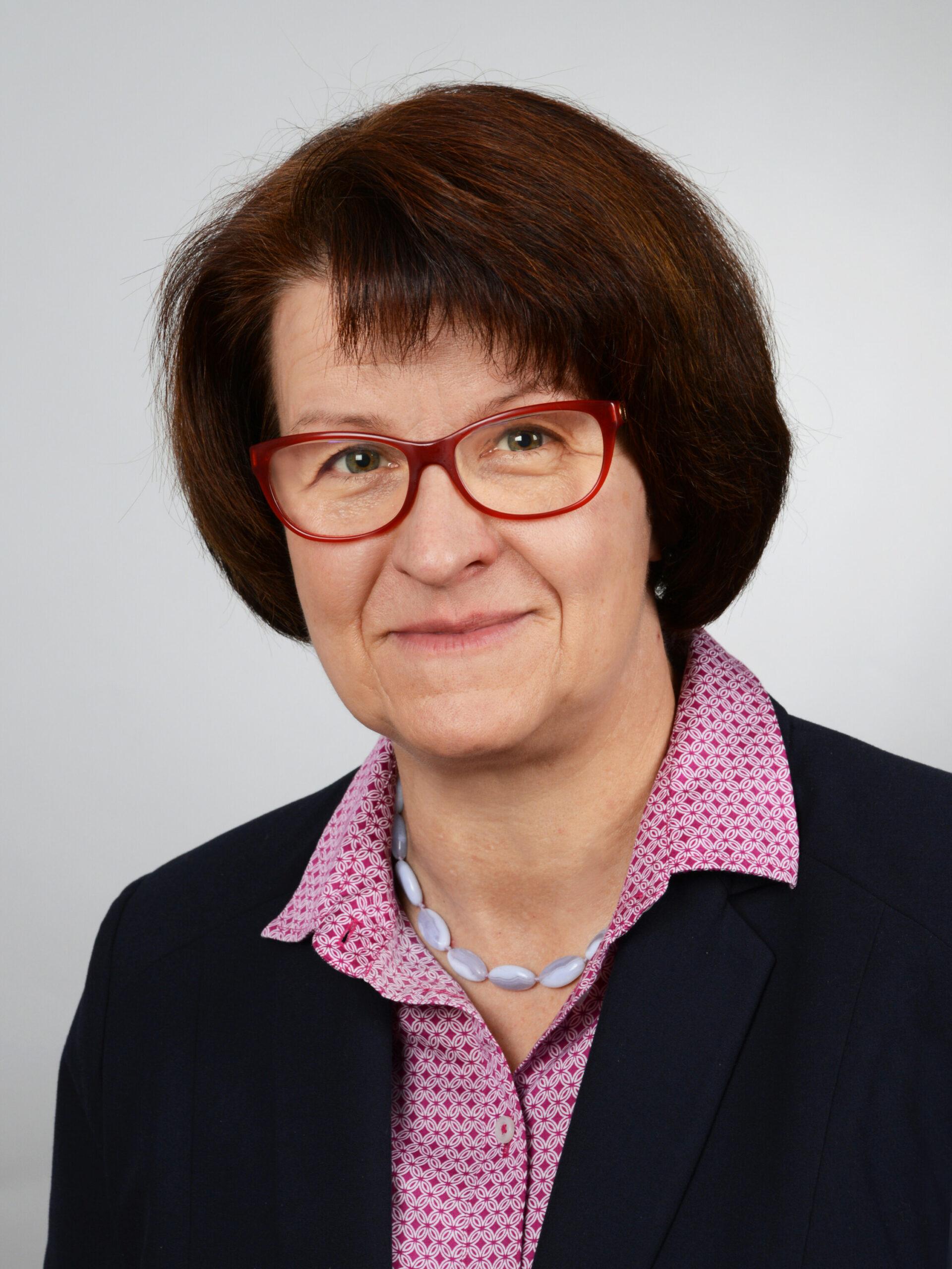 Karin Füller